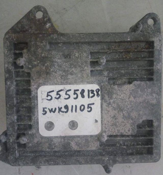 Блок управления двигателем Opel 55558138 5WK91105